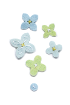 *SALE* Memory Box - Plush Flower Buttons